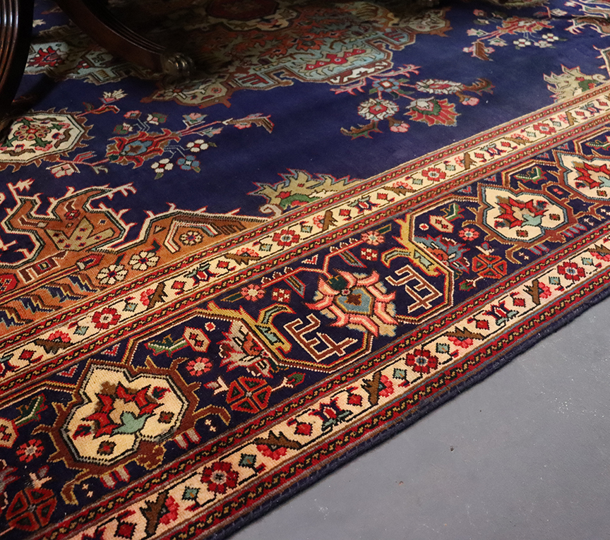Tabriz Hand-woven Wool Carpet (blue)